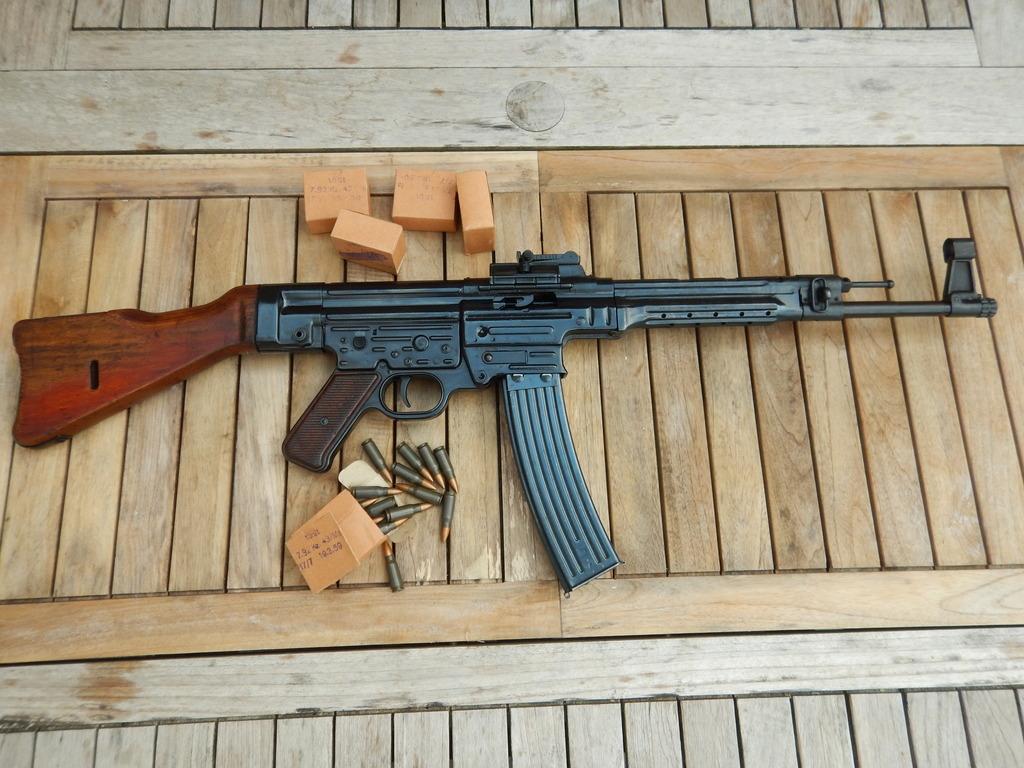 Achtung Sturmgewehr MP44 DSCN7683_zpsftrttt29