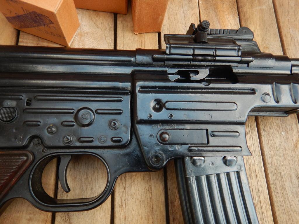 Achtung Sturmgewehr MP44 DSCN7684_zpsqxkvhvaw