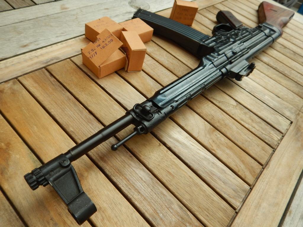 Achtung Sturmgewehr MP44 DSCN7709_zpssn338x9v