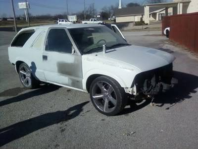 Illegal Mexican Took The Side Off The Blazer Fix10