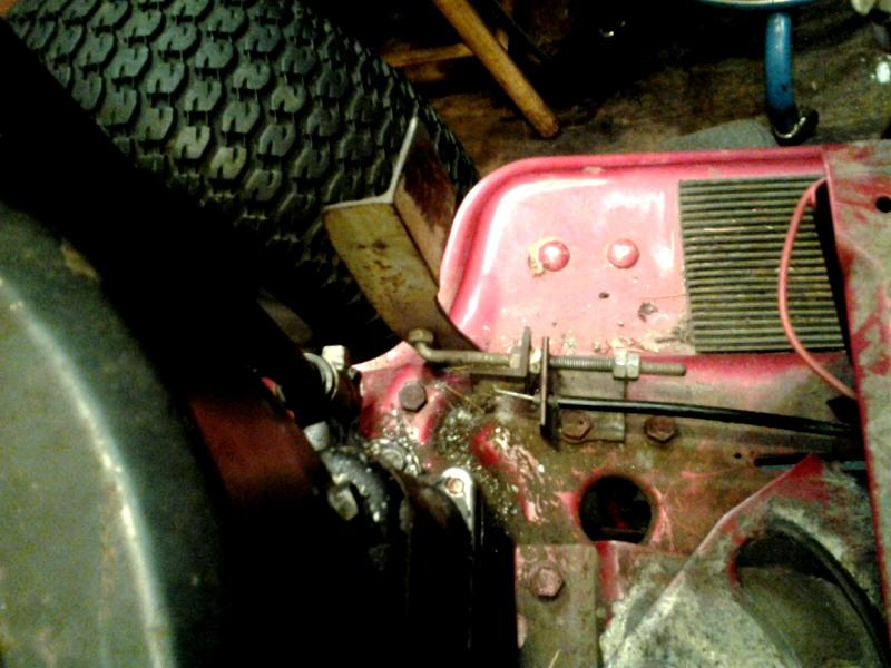 Southern Tractor's OFFROAD MURRAY! - Page 2 Footthrottlelinkage_zpsdfcab3ce
