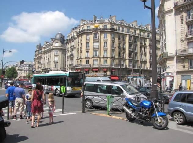 Paris,La Bastille,Tour Eiffel,Champs de Mars IMG_0547_640x480