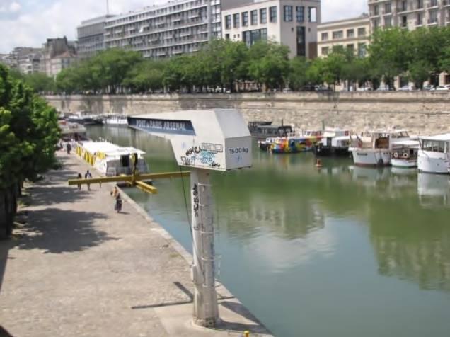 Paris,La Bastille,Tour Eiffel,Champs de Mars IMG_0556_640x480