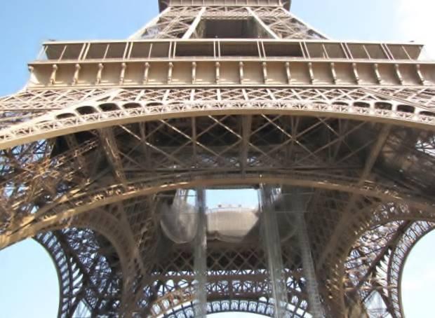 Paris,La Bastille,Tour Eiffel,Champs de Mars IMG_0611_640x480