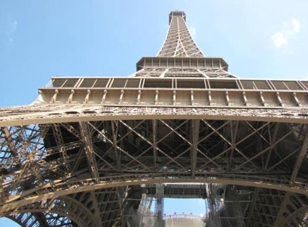 Paris,La Bastille,Tour Eiffel,Champs de Mars IMG_0612_640x480
