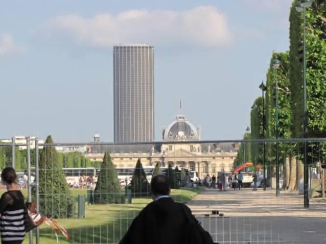 Paris,La Bastille,Tour Eiffel,Champs de Mars IMG_0633_640x480
