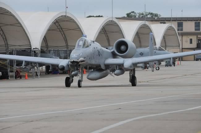 Fairchild A10C Thunderbolt II 090922-F-5193R-088_650