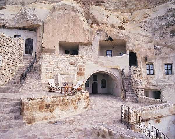 صورة فندق خمس نجوم منوحت في الجبال جمهورية ايران الأسلامية 4-3