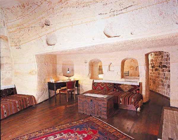 صورة فندق خمس نجوم منوحت في الجبال جمهورية ايران الأسلامية 8-4