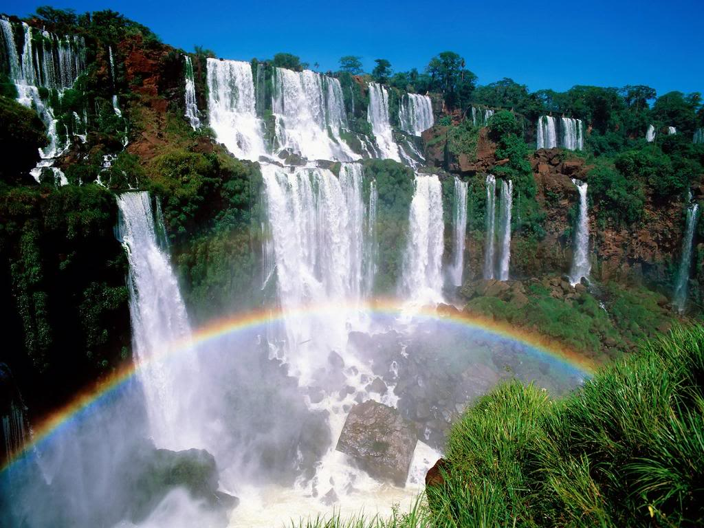 صور شلالات تحفة فنية صنعها مولانا عز و جل IguazuNationalParkArgentina