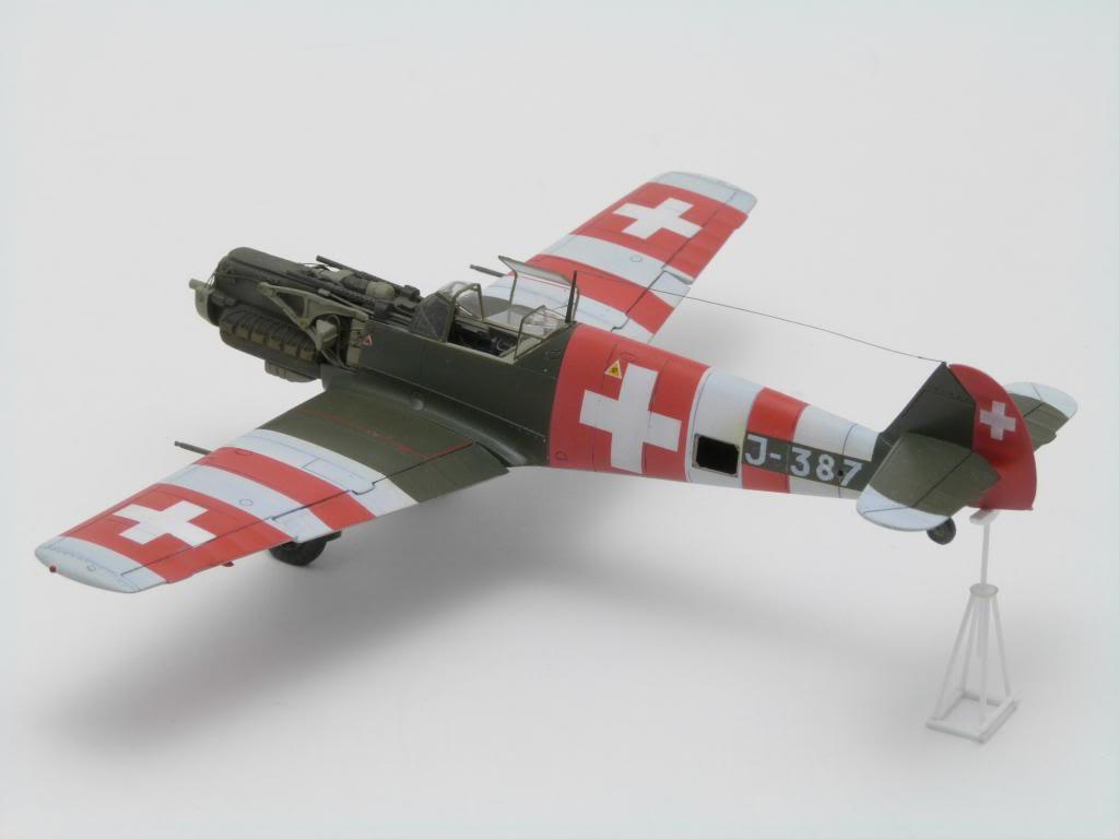 Messerschmitt Bf109E7/N 1/72 P1070747_zpsc3f8cdab