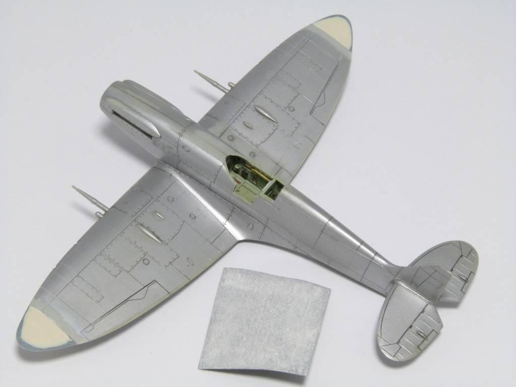 Spitfire Mk. XIVc Academy 1/72 - Terminé P1140638_zpsoqftwleb