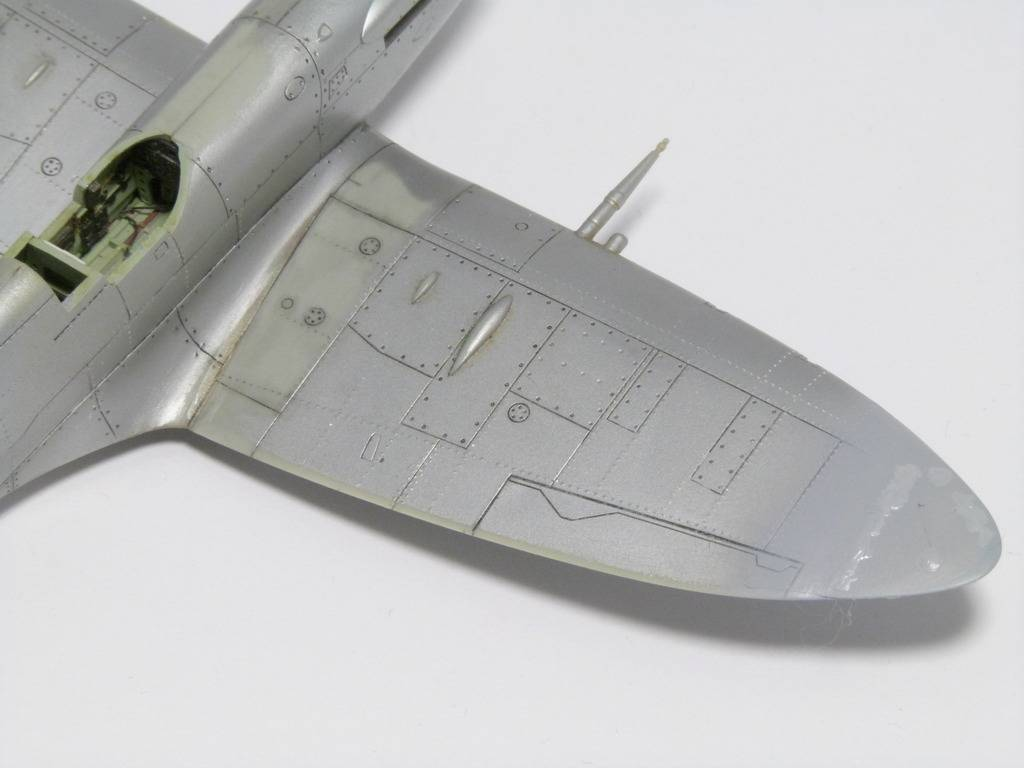Spitfire Mk. XIVc Academy 1/72 - Terminé P1140646_zpsmdwufija