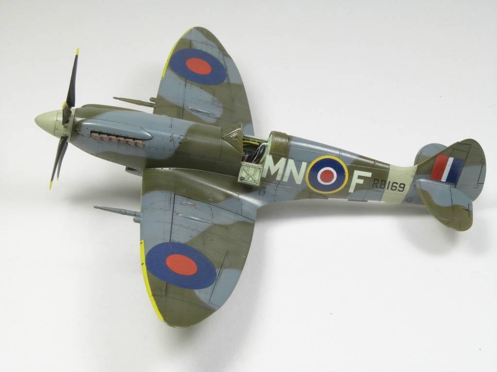 Spitfire Mk. XIVc Academy 1/72 - Terminé P1210787_zps1ruipgvq