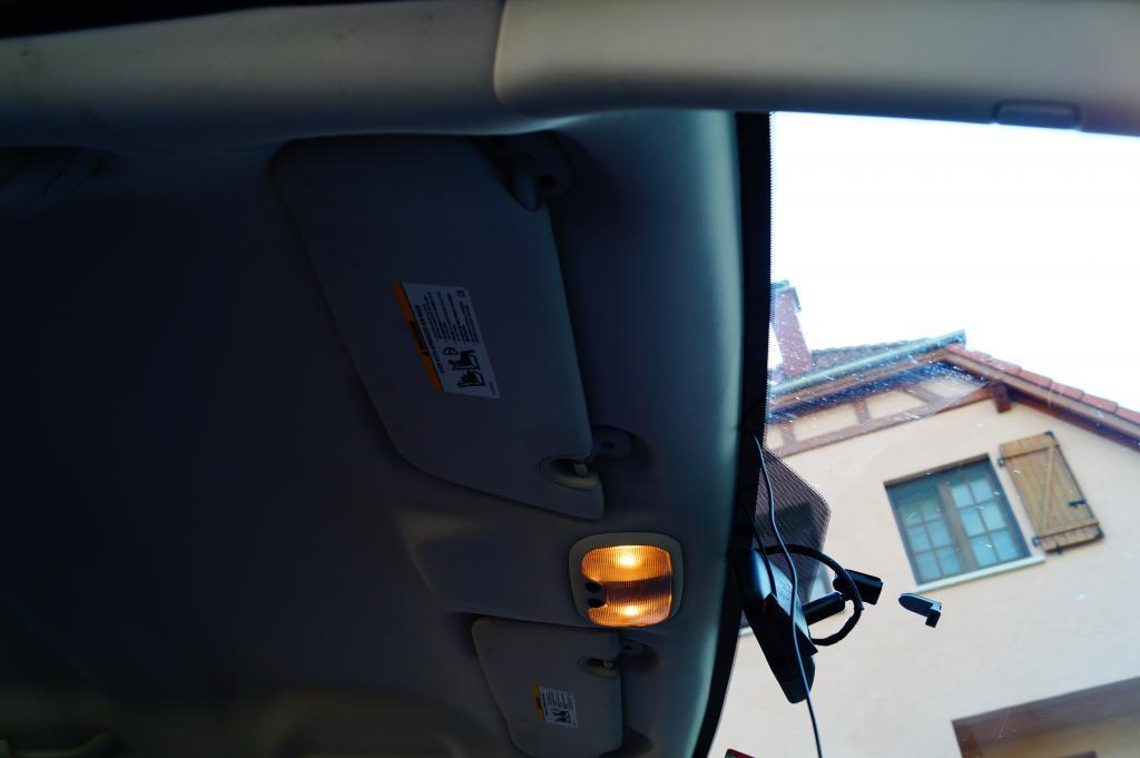 TUTO: Installation radar de recul dodge caliber DSC00359_zps865745ed