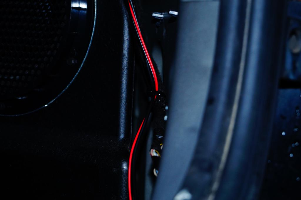 TUTO: Installation radar de recul dodge caliber DSC00409_zps9d648bd8