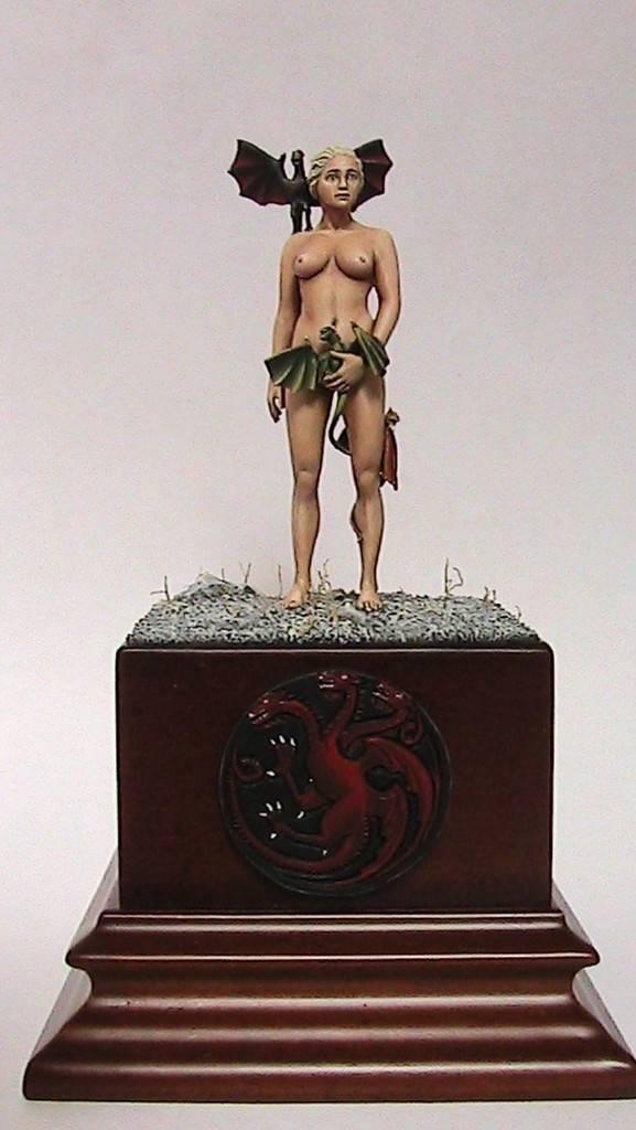 Legolas Verdefoglia/Deanerys Targarien 54 mm diorama Daenerys%201_zpshe5p4ddw