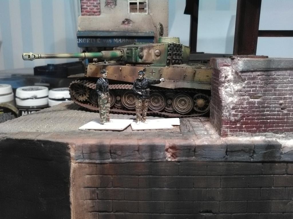 Le Survivant 1/72 - (Tigre 1 Allemagne 1945) IMG_20161203_200749_zpseukqkdxw