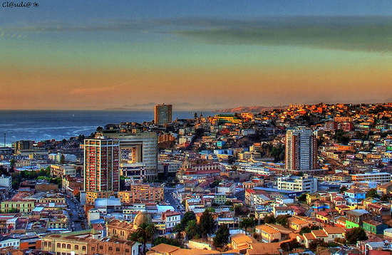 Pamje spektakolare! Qytetet më shumëngjyrëshe në botë Valparaiso_zps5086b076
