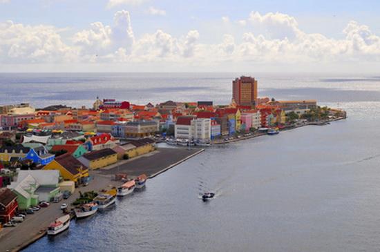Pamje spektakolare! Qytetet më shumëngjyrëshe në botë Willemstad_zpse7169a54