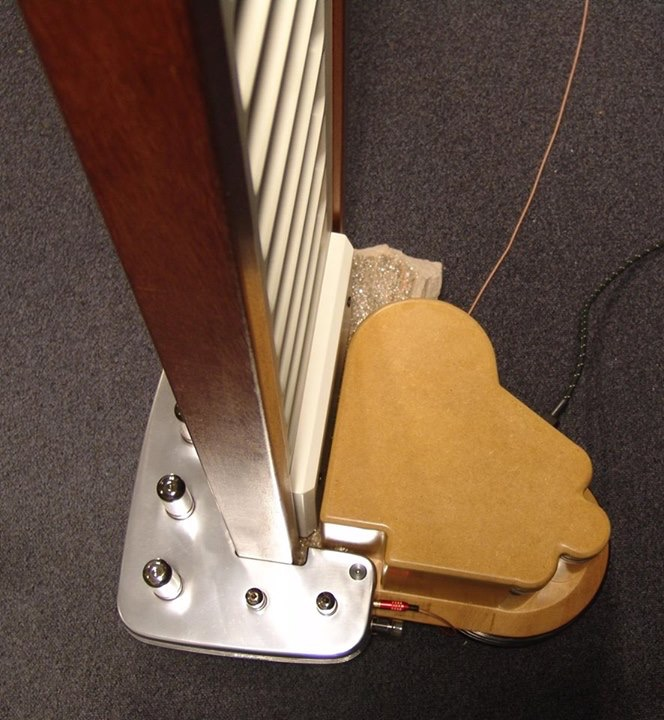 Colunas eletrostáticas com amplificador a válvulas integrado  43CEF7F5-5785-4360-ACE7-33159F74985E_zpsdiic3ret