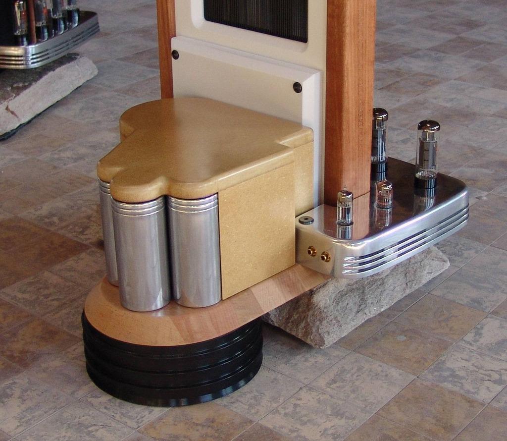 Colunas eletrostáticas com amplificador a válvulas integrado  AE1D84A2-5888-4DE0-9048-BC5004982E13_zpsxymk7zoy