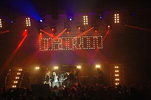 [Music Artist Wiki] Darin Zanyar 300px-Tour2005darin_zpscd3b1efb