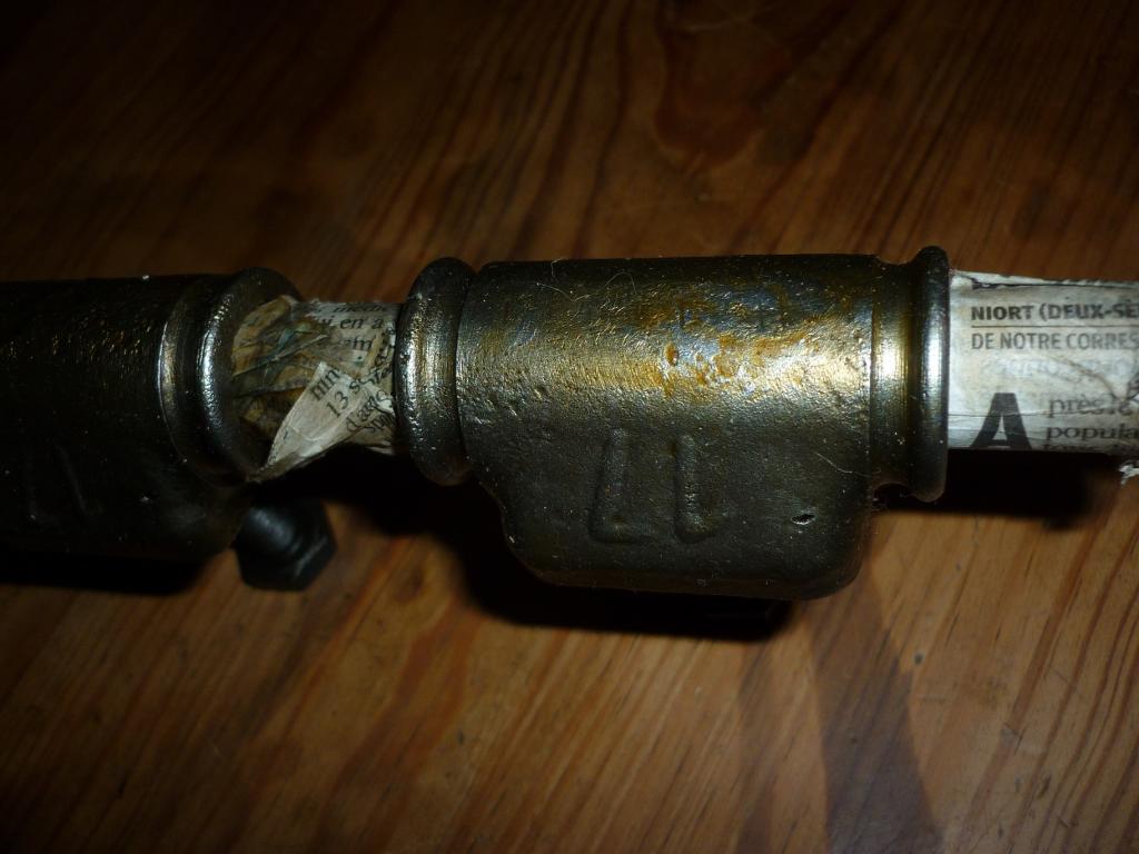 Cire brune de protection des pièces NOS P1040476_zpsnrwc1cuo