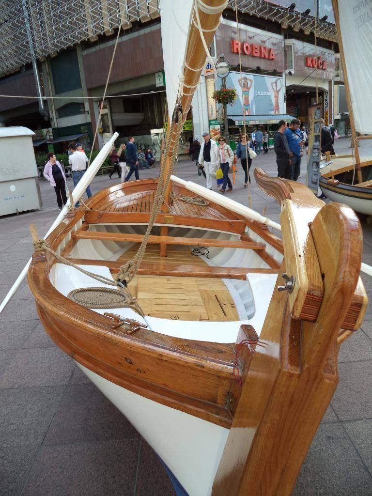 Izložba drvenih tradicijskih barki na Korzu - Rijeka 2014 DSC00847_zps30c68299