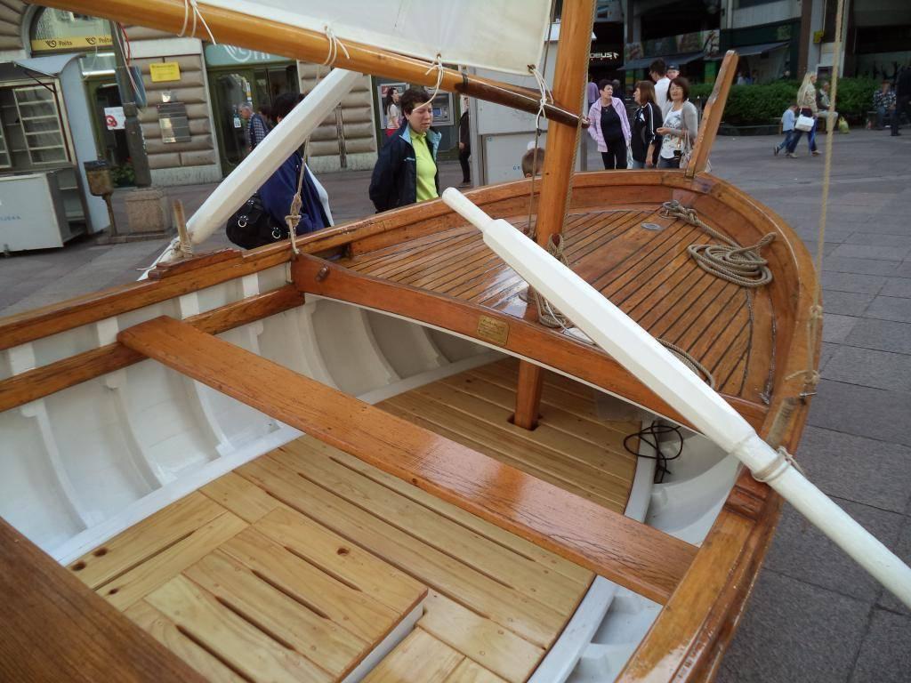 Izložba drvenih tradicijskih barki na Korzu - Rijeka 2014 DSC00850_zpse86ca167