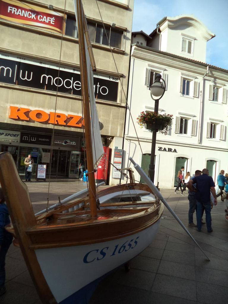 Izložba drvenih tradicijskih barki na Korzu - Rijeka 2014 DSC00852_zps8ba8f1d6