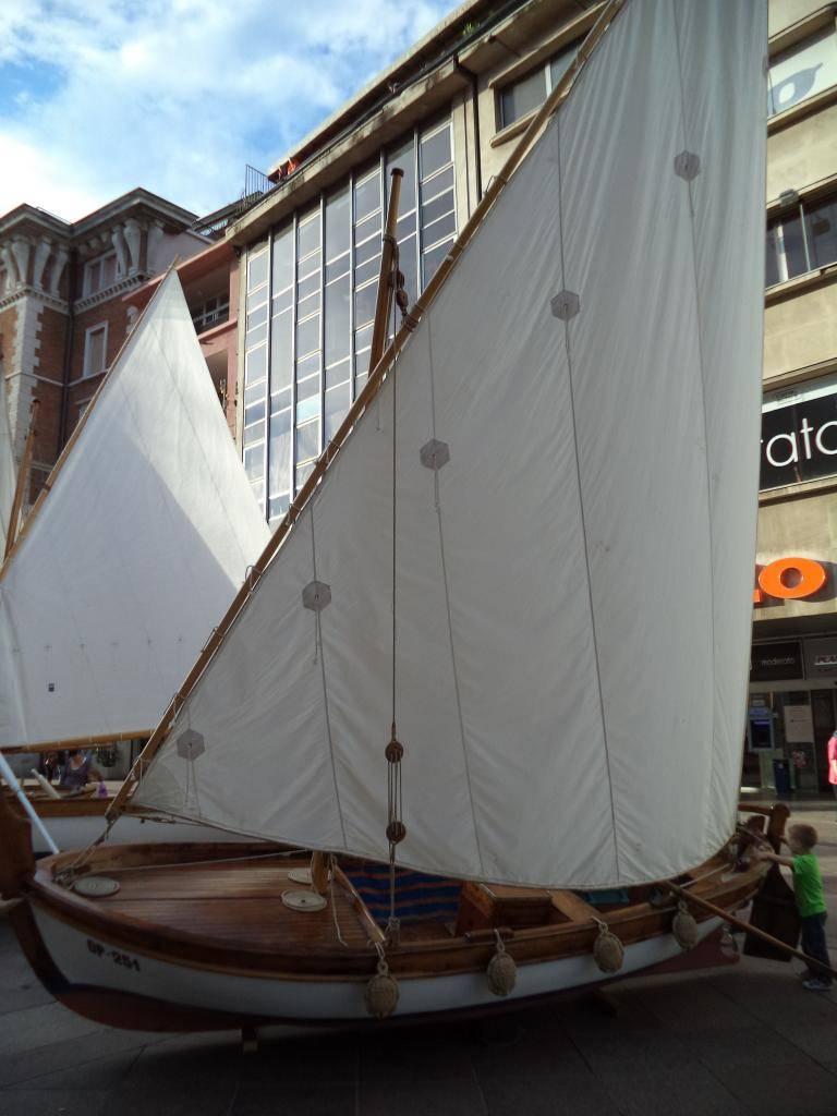 Izložba drvenih tradicijskih barki na Korzu - Rijeka 2014 DSC00860_zps547fc1e5