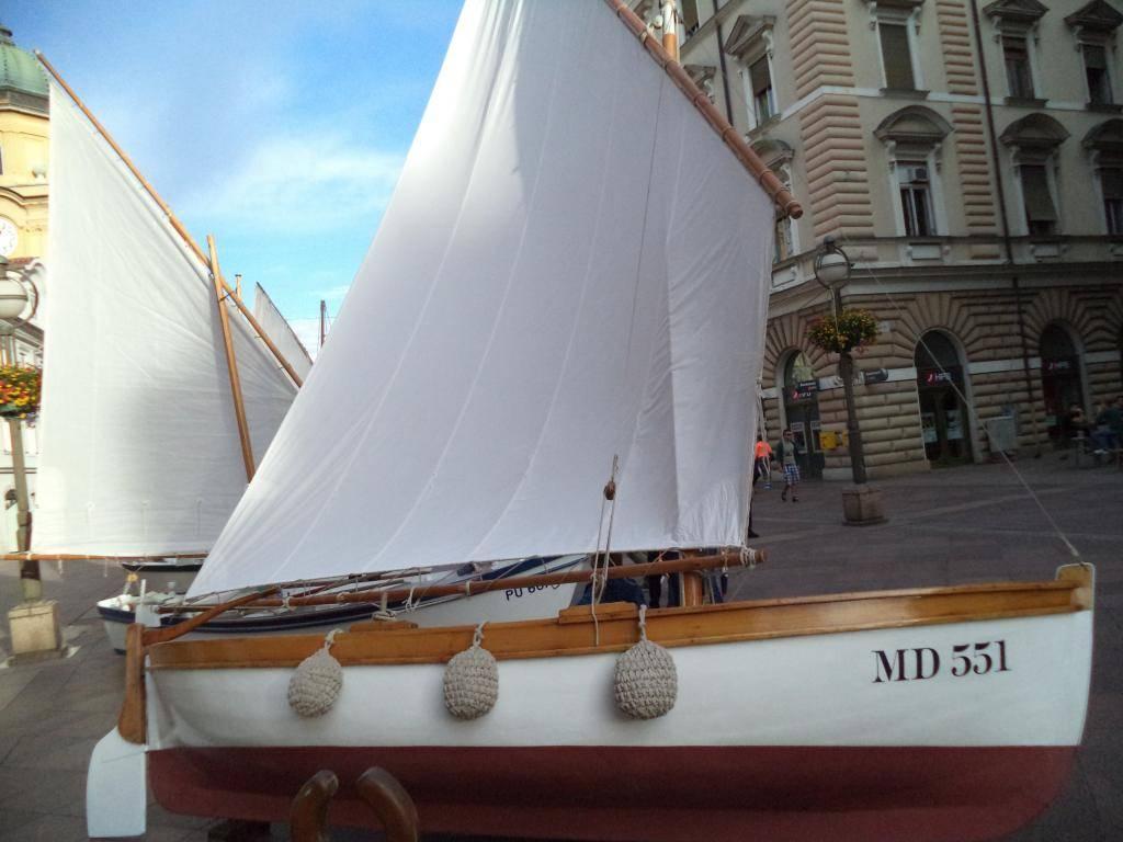 Izložba drvenih tradicijskih barki na Korzu - Rijeka 2014 DSC00865_zpsa7624617
