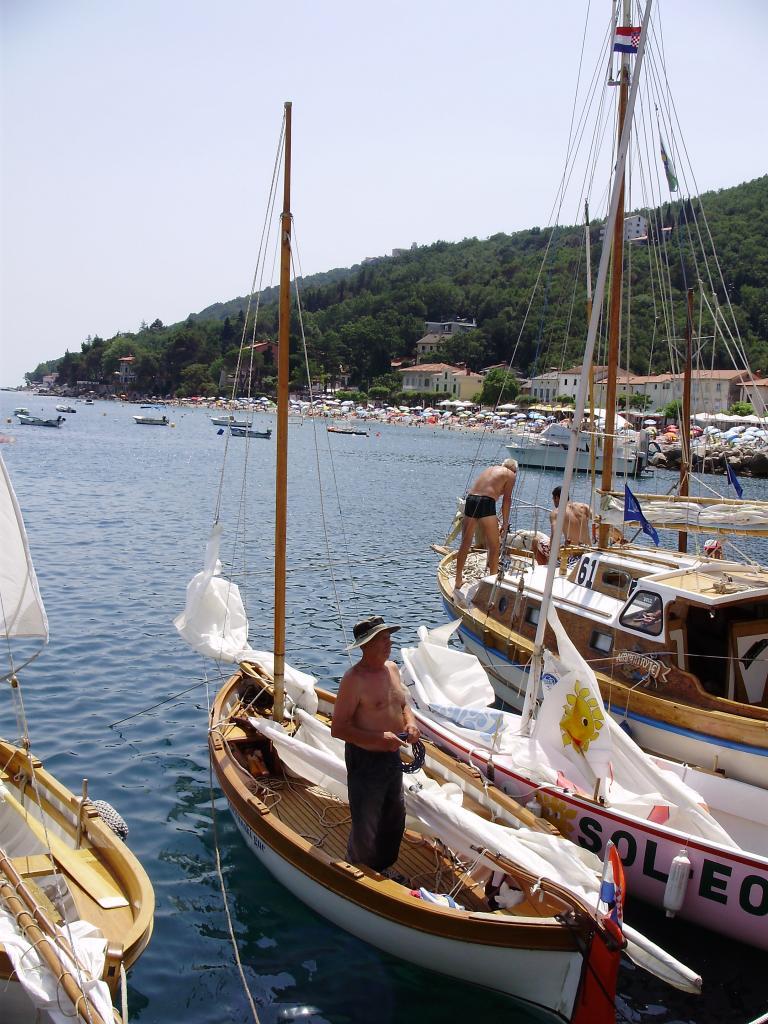 Regata tradicijskih barki-Mošćenička Draga 2012. P6080022_zps8b26186c