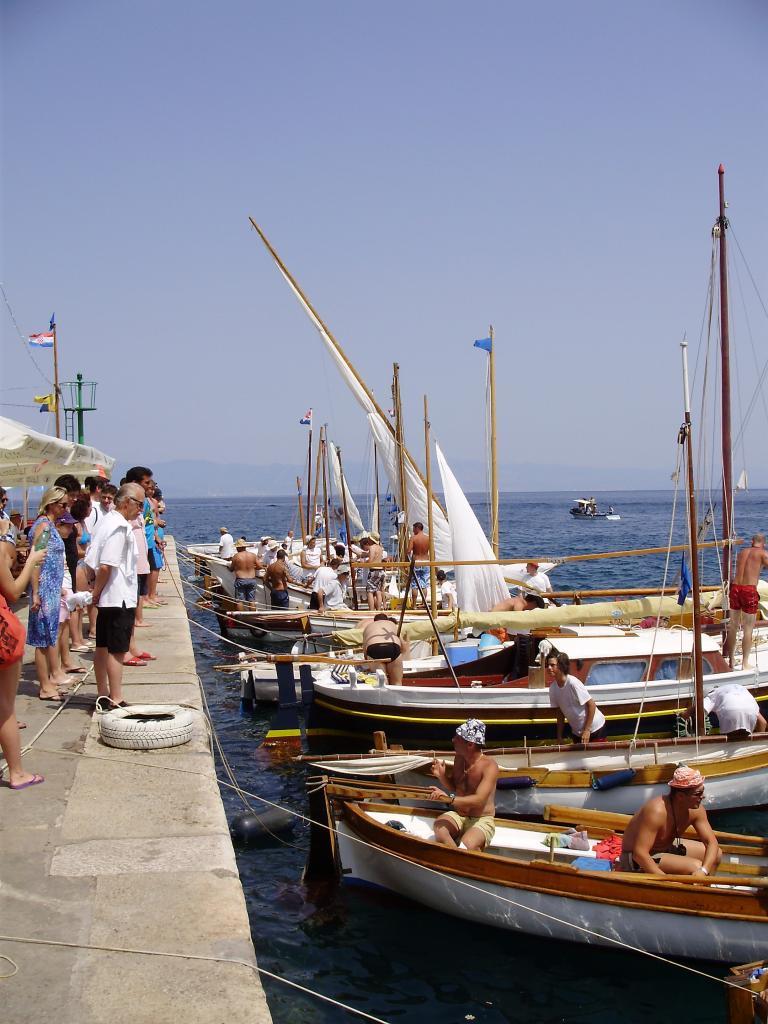 Regata tradicijskih barki-Mošćenička Draga 2012. P6080047_zps41e933fc
