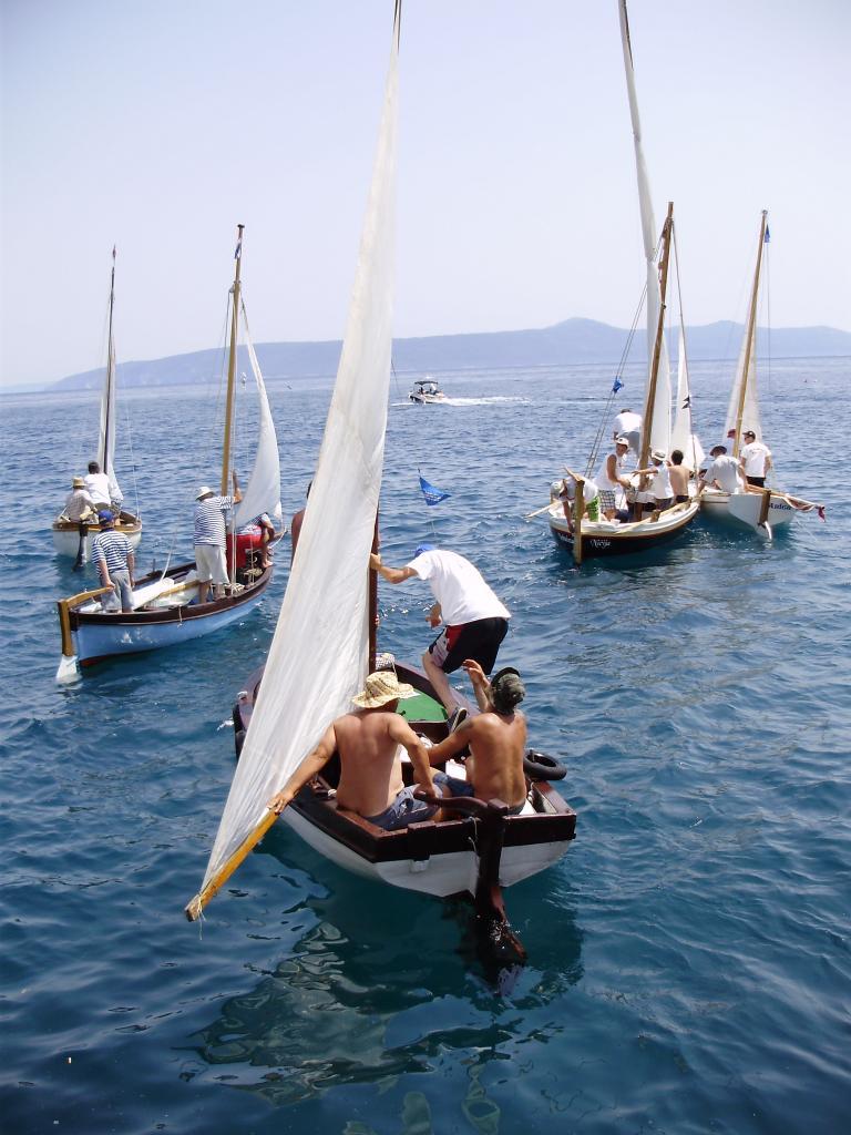 Regata tradicijskih barki-Mošćenička Draga 2012. P6080050_zps7e4b7c32