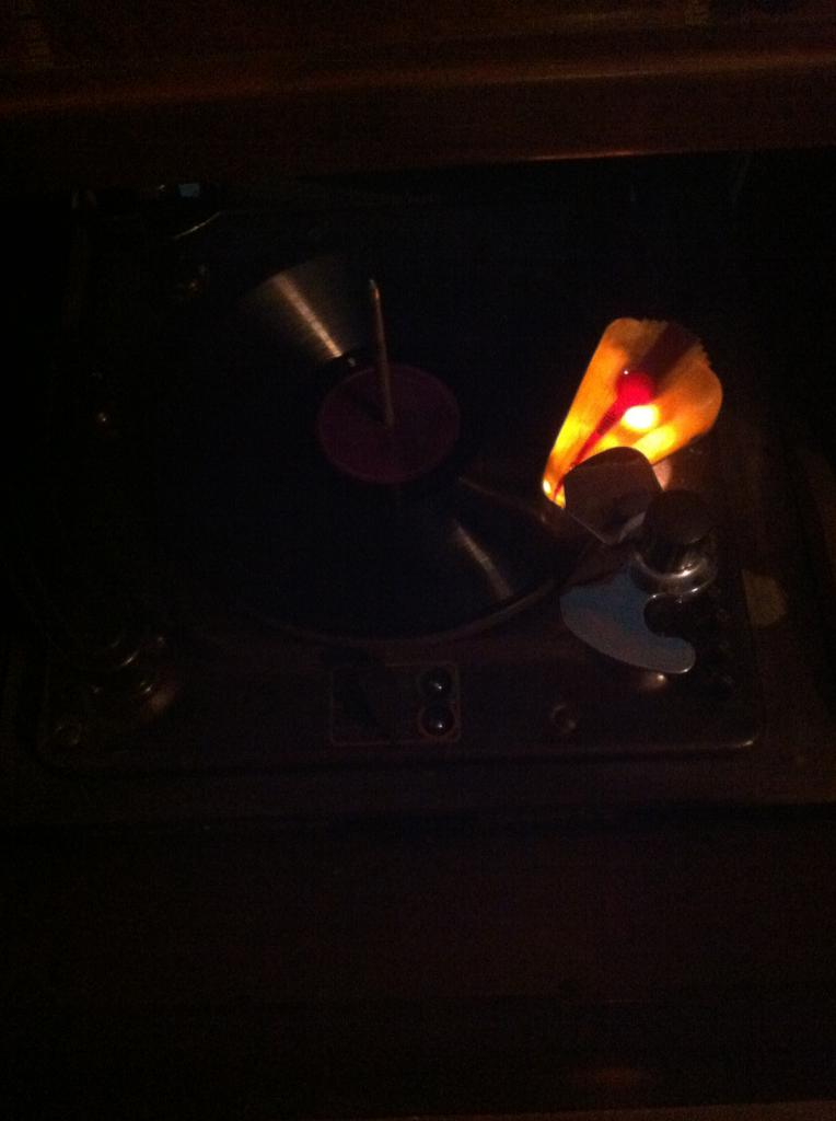 Let's see your phonograph collection....... IMG_2179_zps56436ad1