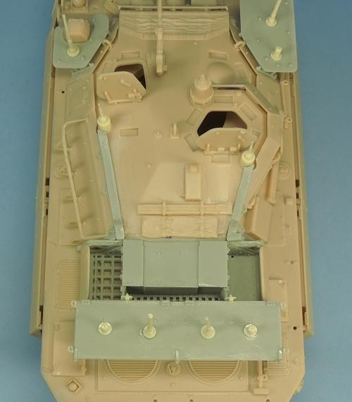 Nouveautés KMT (Kits Maquettes Tank). - Page 2 KMT%20KMT35014K%20conversion%20brouilleurs%20AMX%2010%20RCR%2003_zpsfqysoble