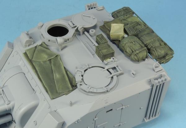 Nouveautés KMT (Kits Maquettes Tank). - Page 2 KMT%20Ref%20KMT35024K%20paquetages%20pour%20155%20AuF1%20SPG%20pour%20le%20kit%20MENG%20Model%2004_zpsxelmv346
