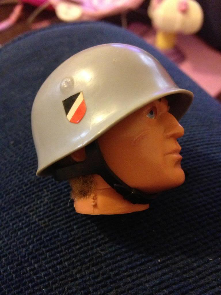 German para helmet Image_zps71426707