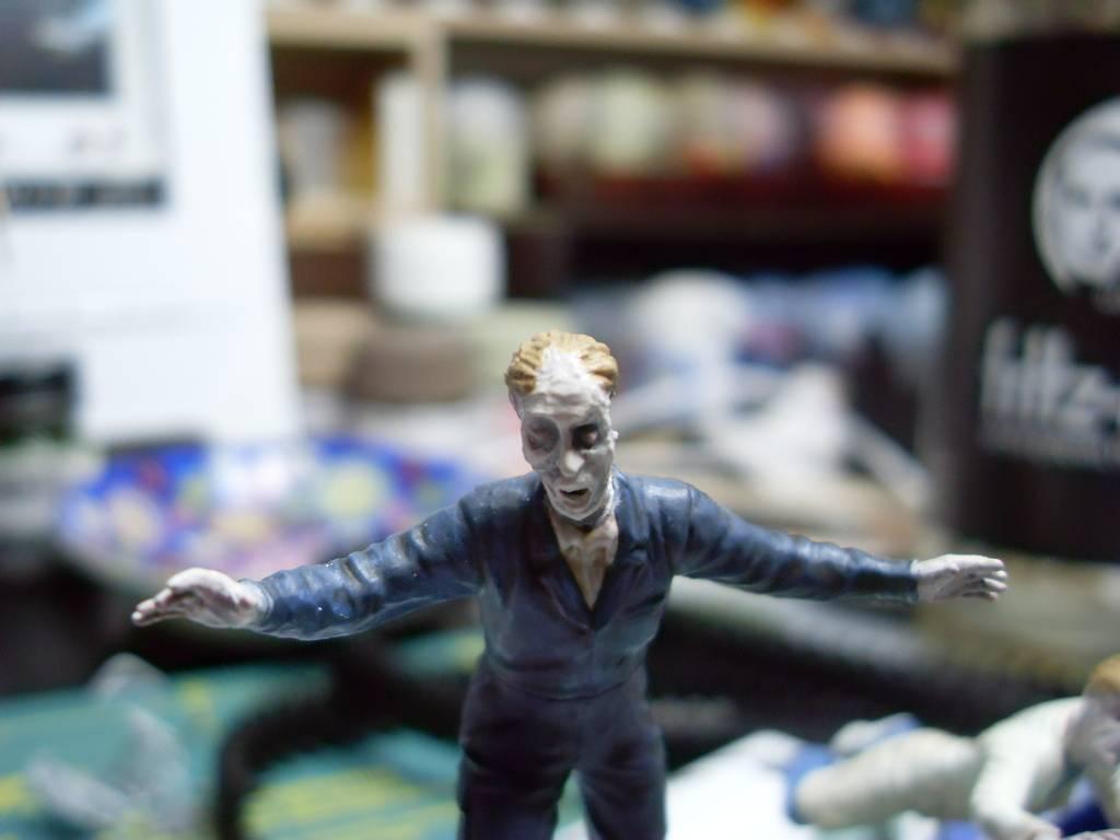 Endzeit / Zombies 1:35 - Seite 2 SDC12957_zpsi9whvfrr