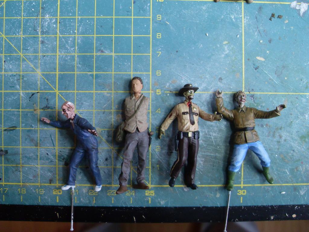 Walking Dead Collectible Miniatures von McFarlaine - 1:32 bis 1:35 SDC12947_zpszzfmygrv