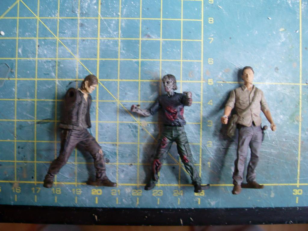 Walking Dead Collectible Miniatures von McFarlaine - 1:32 bis 1:35 SDC12949_zpskoxokmf8