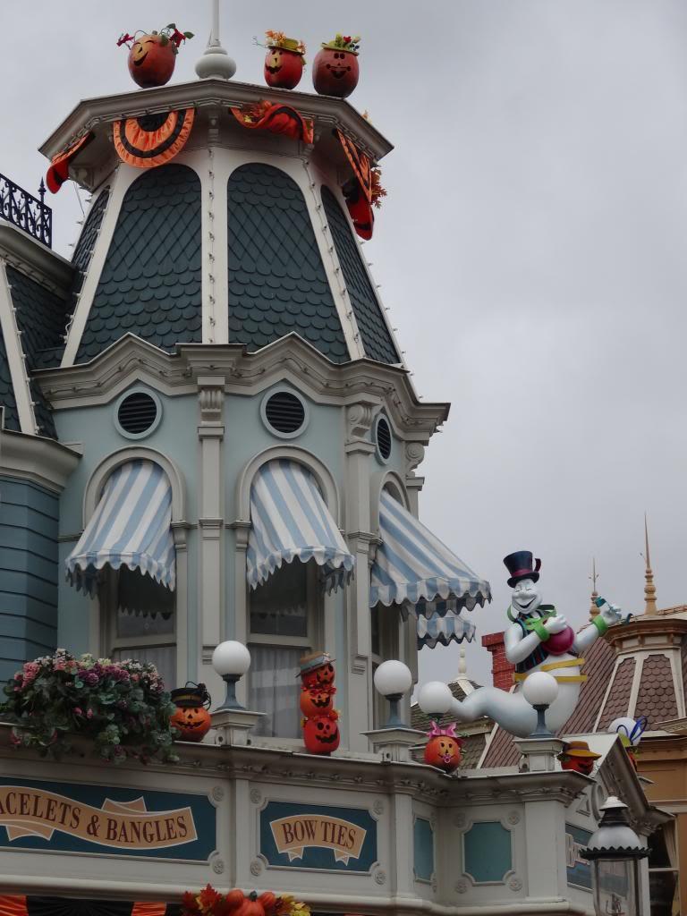 Une journée à Disneyland pour découvrir la période d' Halloween ! - Page 2 DSC02823_zps21efd07f