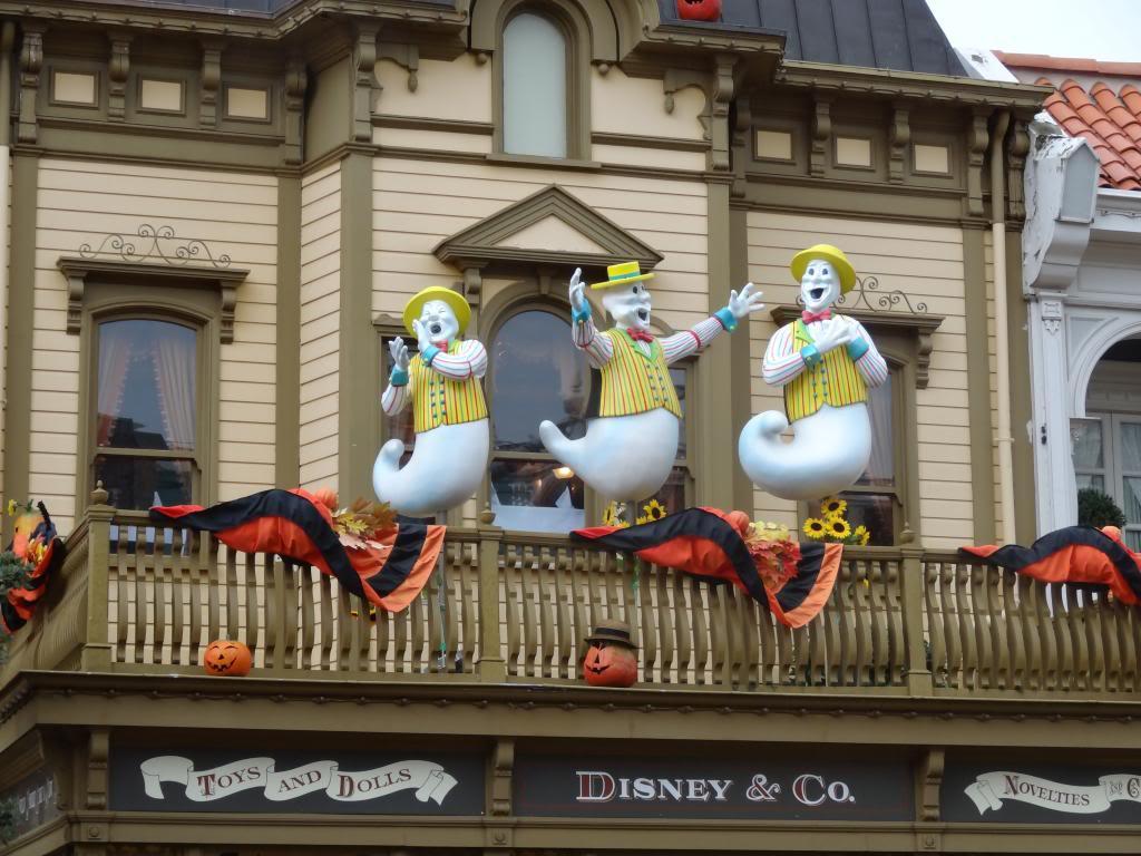 Une journée à Disneyland pour découvrir la période d' Halloween ! - Page 2 DSC02825_zps03735a24