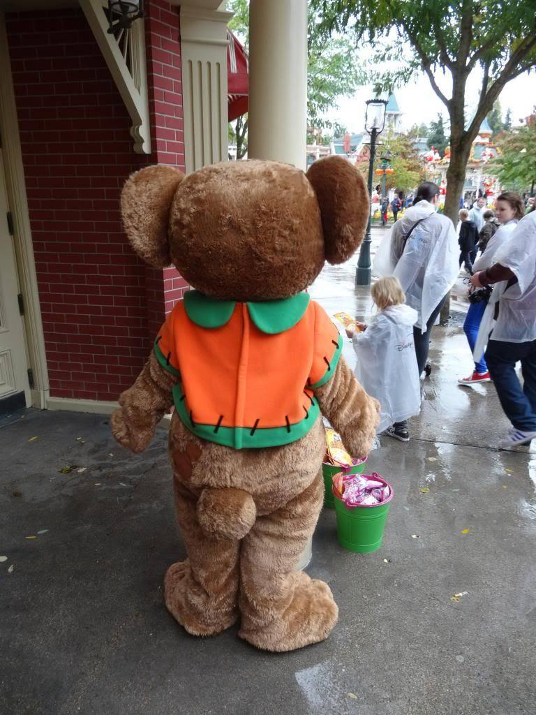 Une journée à Disneyland pour découvrir la période d' Halloween ! - Page 2 DSC02870_zpsc5606094