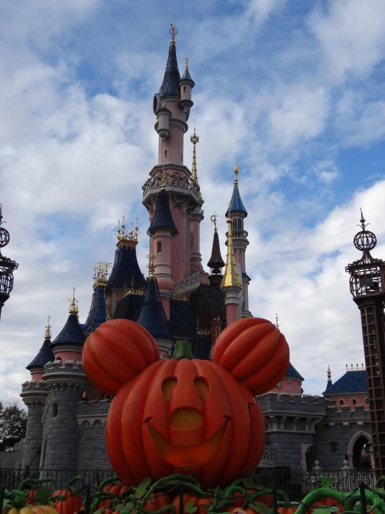 Une journée à Disneyland pour découvrir la période d' Halloween ! - Page 3 DSC02889_zps148e7043