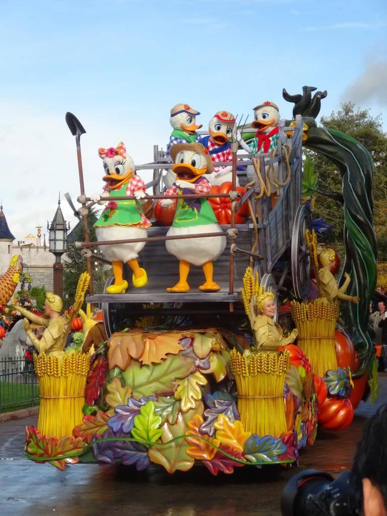 Une journée à Disneyland pour découvrir la période d' Halloween ! - Page 4 DSC02905_zps223aec92