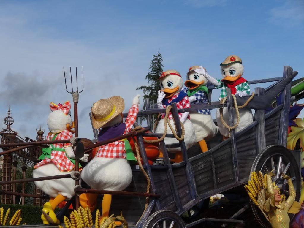 Une journée à Disneyland pour découvrir la période d' Halloween ! - Page 4 DSC02908_zpscc3f716b