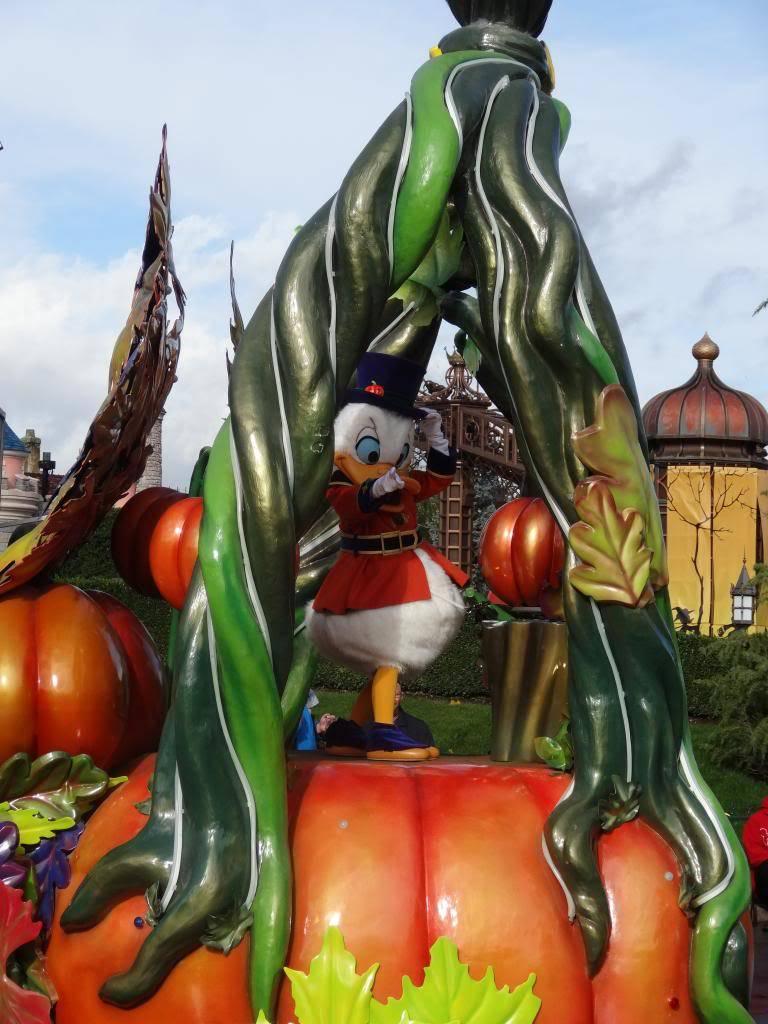 Une journée à Disneyland pour découvrir la période d' Halloween ! - Page 4 DSC02909_zpseafe8bed